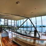 HDR - 海の見えるカフェ