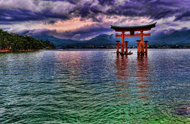 Topaz Adjust - 厳島神社