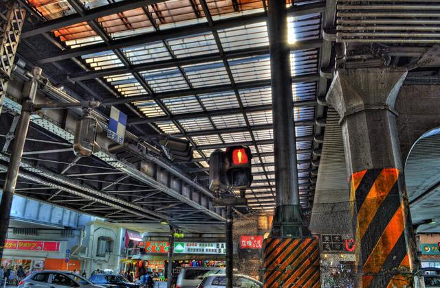 HDR - 上野駅前